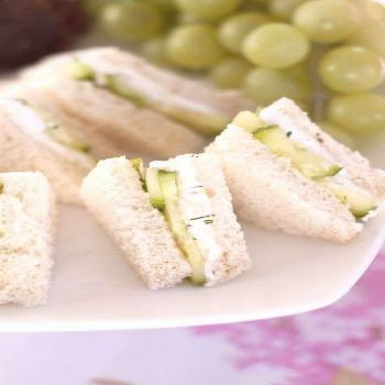 English Cucumber and Dill Tea Cream Cheese Sandwiches are a refreshing, delicious recipe for a lunc